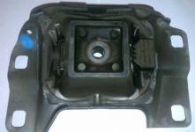 Подушка кпп Ford Focus 1.8